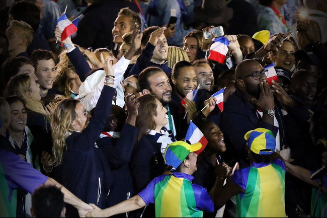 Lacoste благодарит французских олимпийцев